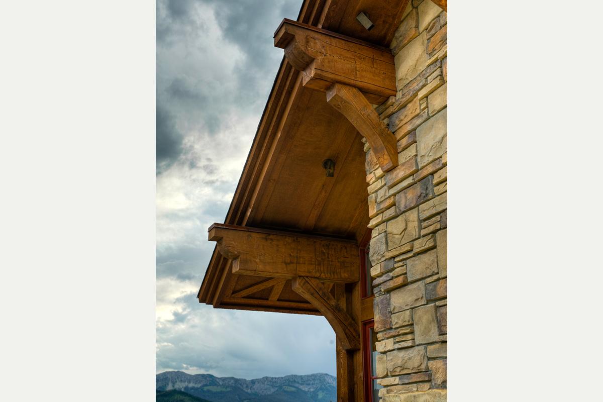 Authentic-Inc-Big-Sky-closeup-timberframe