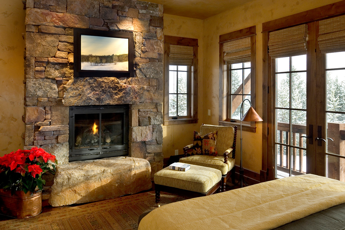Authentic-Inc-Big-Sky-great-room-fire
