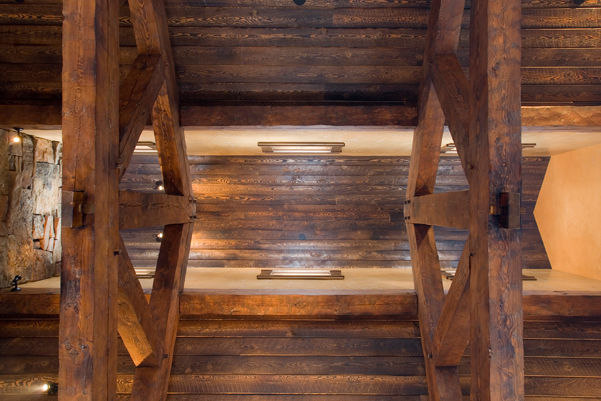 Authentic-Inc-Big-Sky-timberframe-ceiling