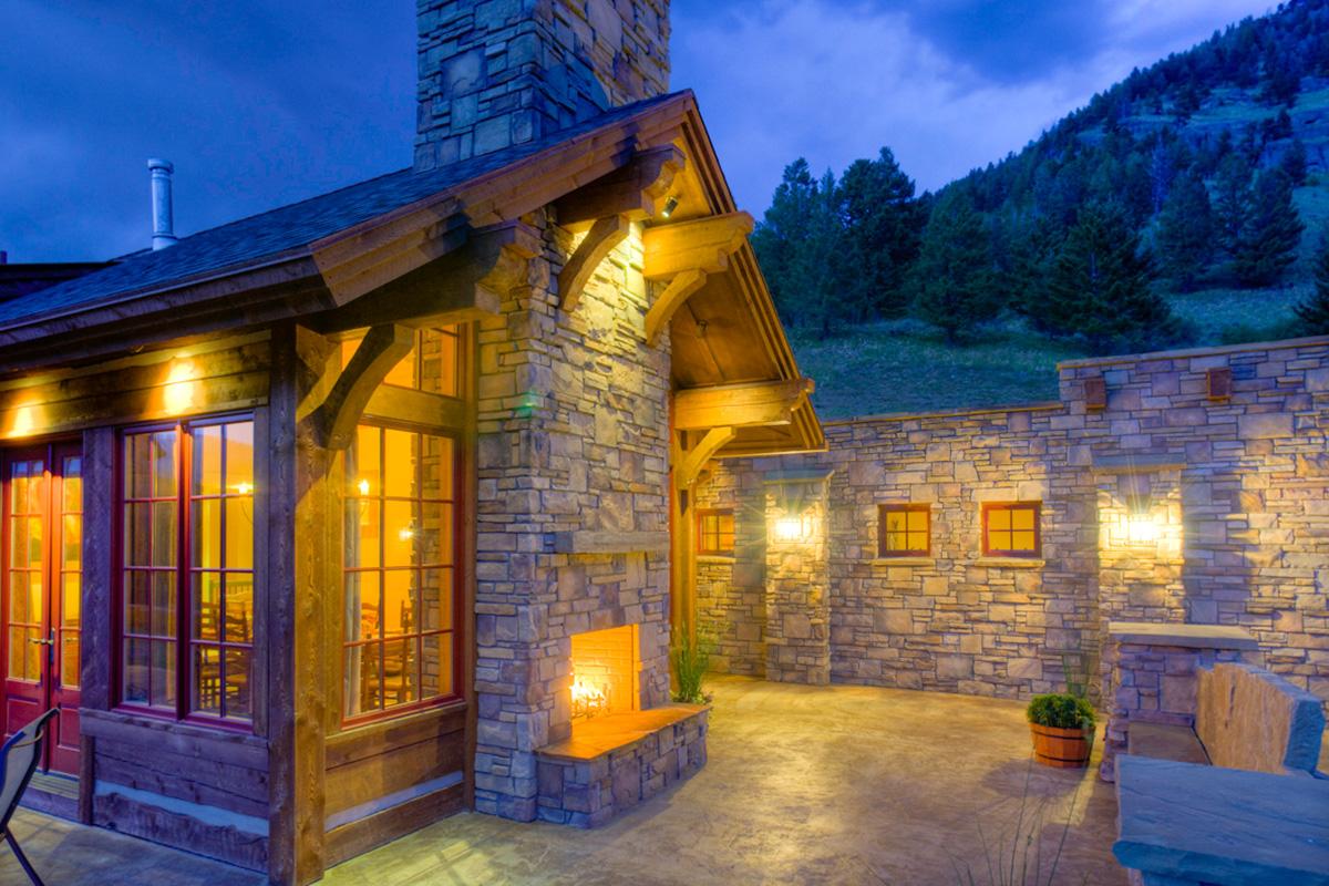 Authentic-Inc-Bridger-outdoor-fireplace