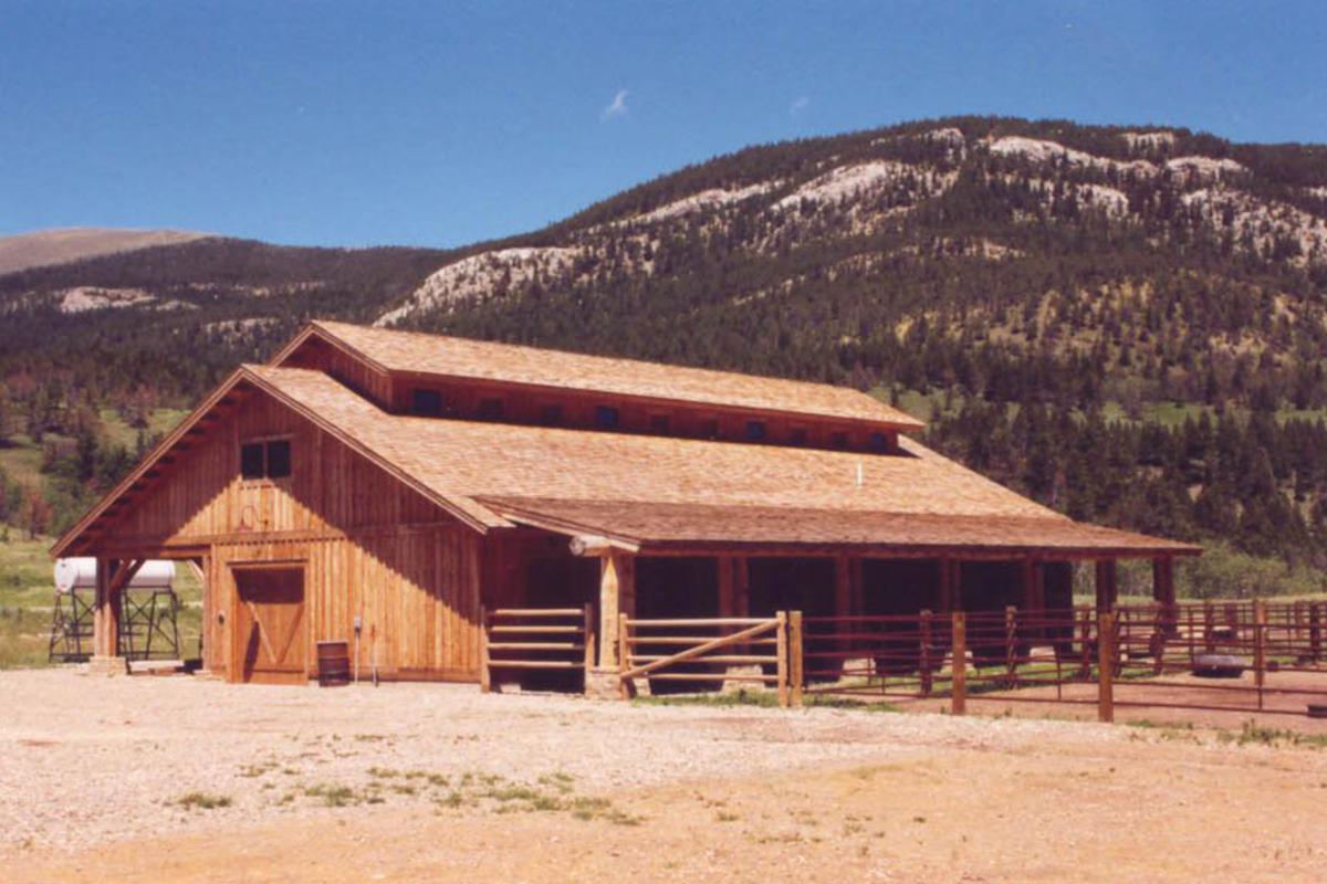 Dearborn-River-Ranch-barn3