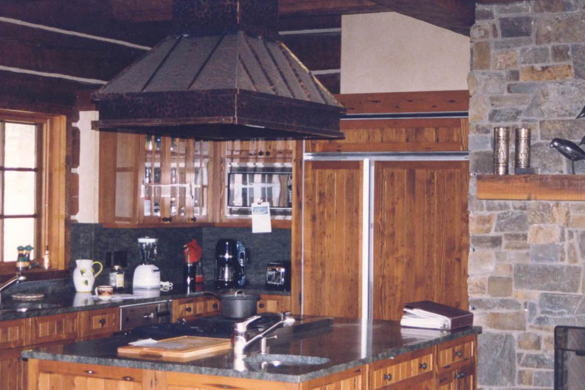 Dearborn-River-Ranch-kitchen-main
