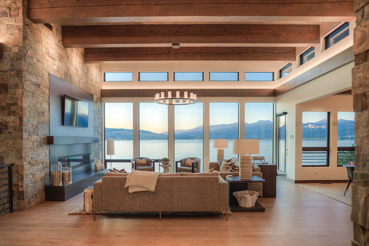 GTWN-fireplace-lvng-room-lake-view-WP